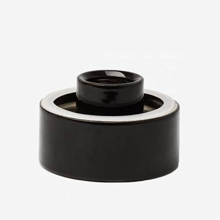 A ceramic fixture screw thread in different options
